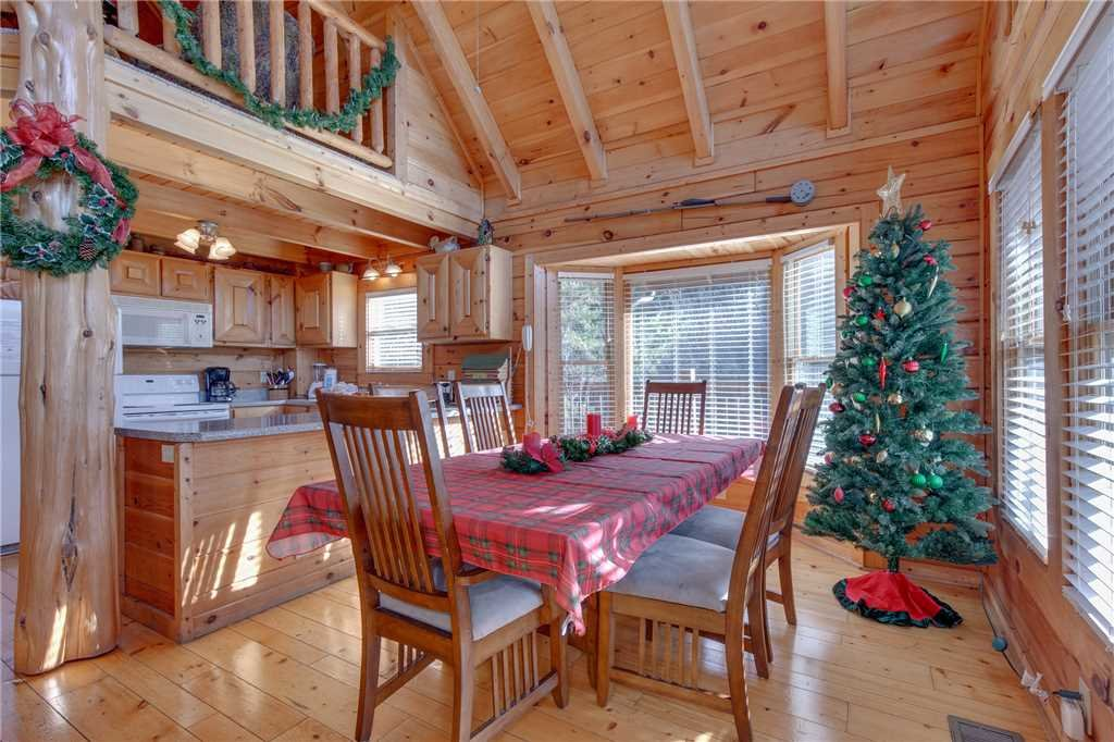 Photo of a Pigeon Forge Cabin named Arrowhead Lodge - This is the seventh photo in the set.