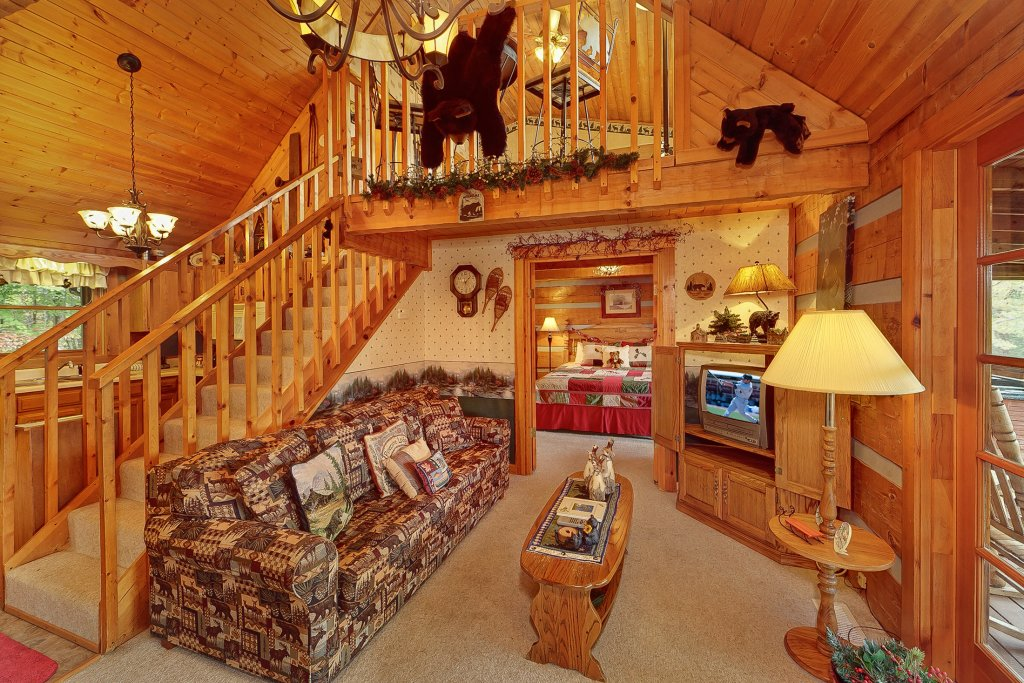 Photo of a Sevierville Cabin named At Wild Turkey #122 - This is the twenty-second photo in the set.