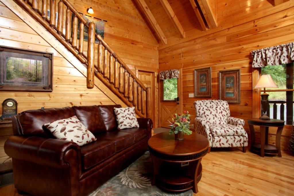 Photo of a Gatlinburg Cabin named Together Again - This is the fourth photo in the set.