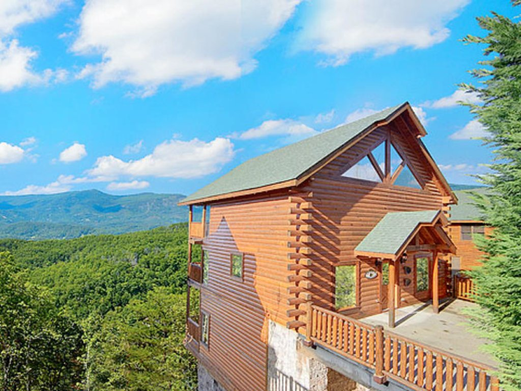 Photo of a Pigeon Forge Cabin named Mountain Majesty At Black Bear Ridge - This is the first photo in the set.
