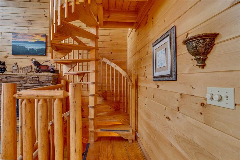 Photo of a Pigeon Forge Cabin named Mountain Majesty At Black Bear Ridge - This is the twenty-third photo in the set.