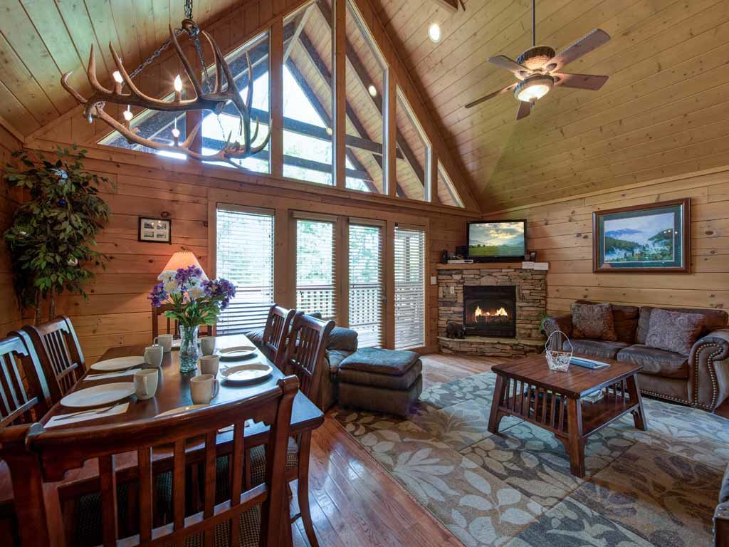 Photo of a Gatlinburg Cabin named Big Sky Cabin - This is the second photo in the set.