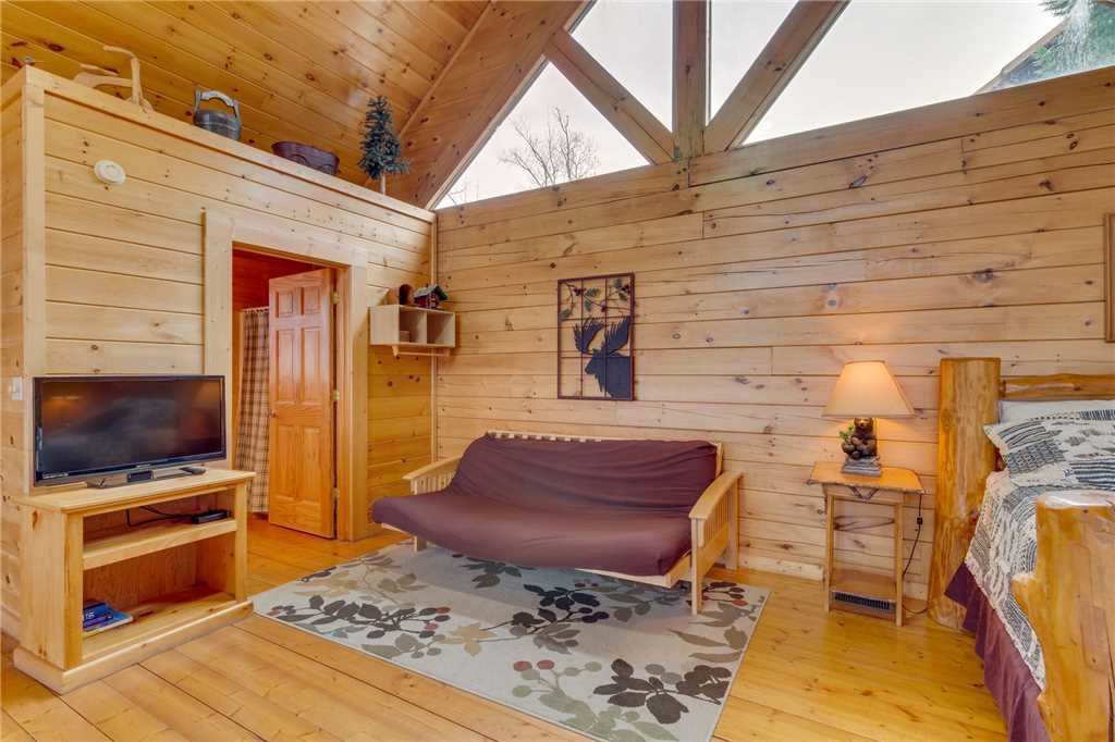 Photo of a Pigeon Forge Cabin named Mountain Majesty At Black Bear Ridge - This is the twenty-sixth photo in the set.