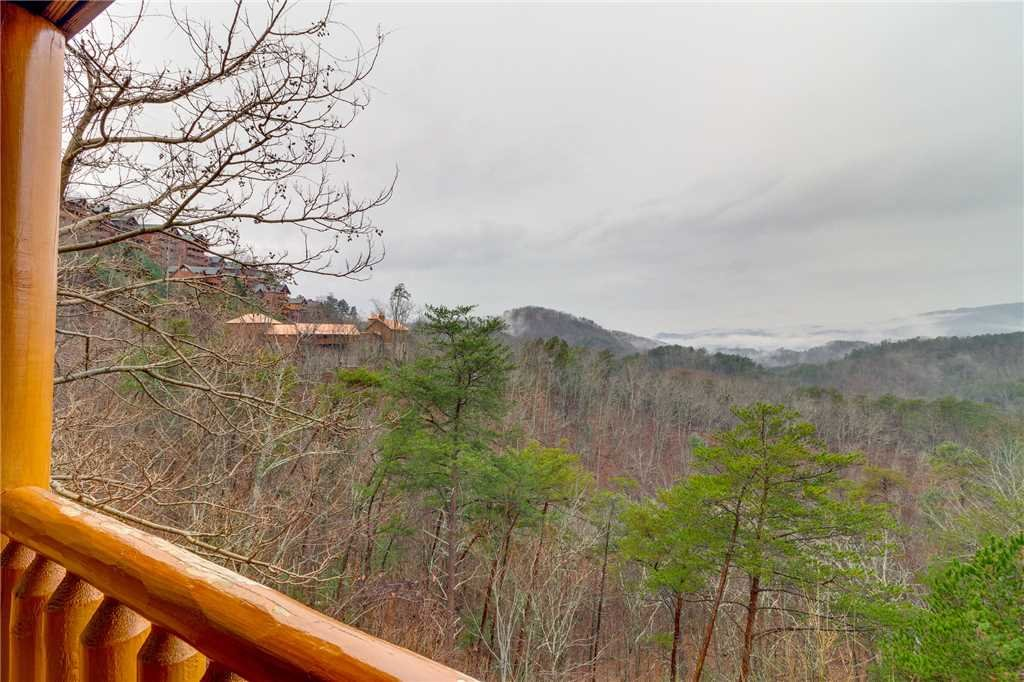 Photo of a Pigeon Forge Cabin named Mountain Majesty At Black Bear Ridge - This is the twenty-first photo in the set.