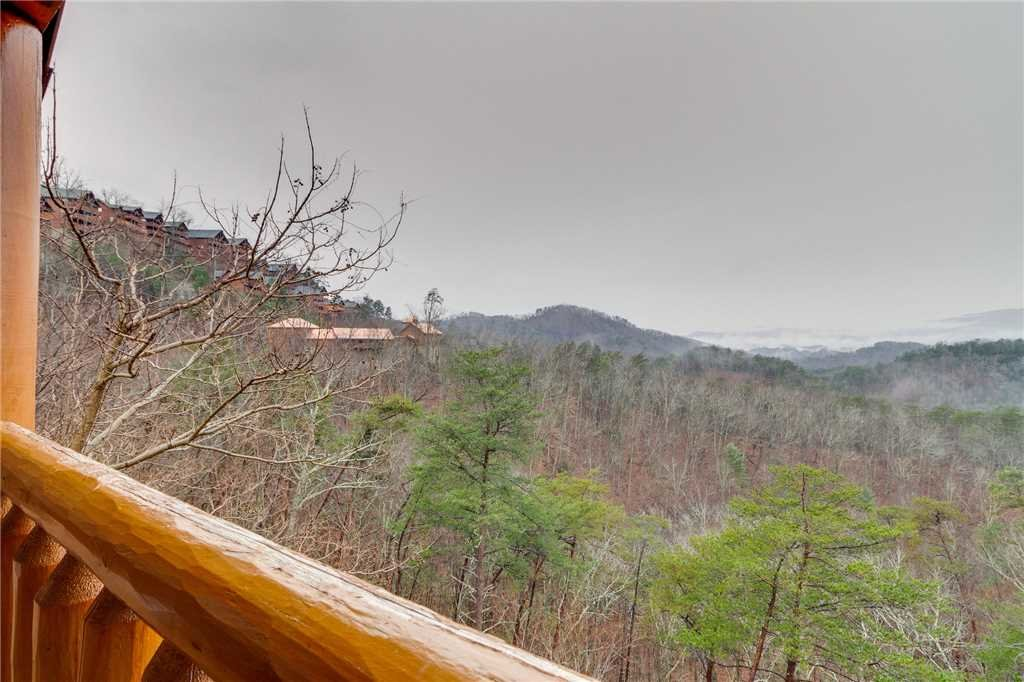 Photo of a Pigeon Forge Cabin named Mountain Majesty At Black Bear Ridge - This is the thirty-seventh photo in the set.