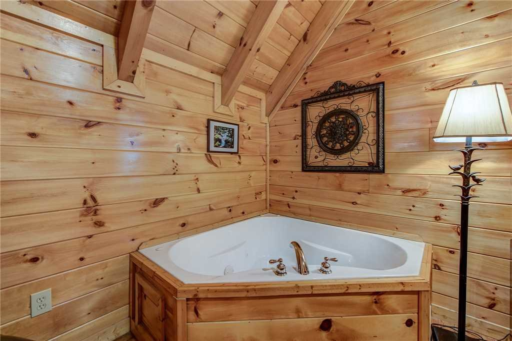 Photo of a Pigeon Forge Cabin named Aspen's Envy - This is the twentieth photo in the set.