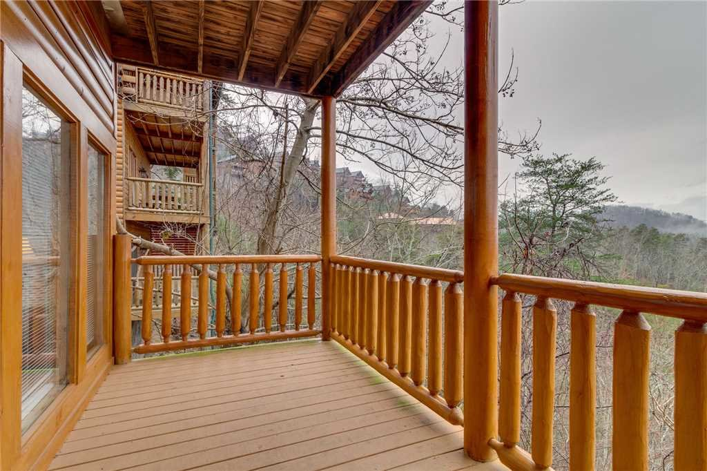 Photo of a Pigeon Forge Cabin named Mountain Majesty At Black Bear Ridge - This is the fifty-third photo in the set.