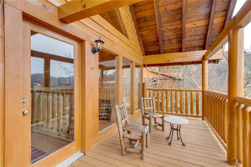 Photo of a Pigeon Forge Cabin named Mountain Majesty At Black Bear Ridge - This is the thirty-second photo in the set.