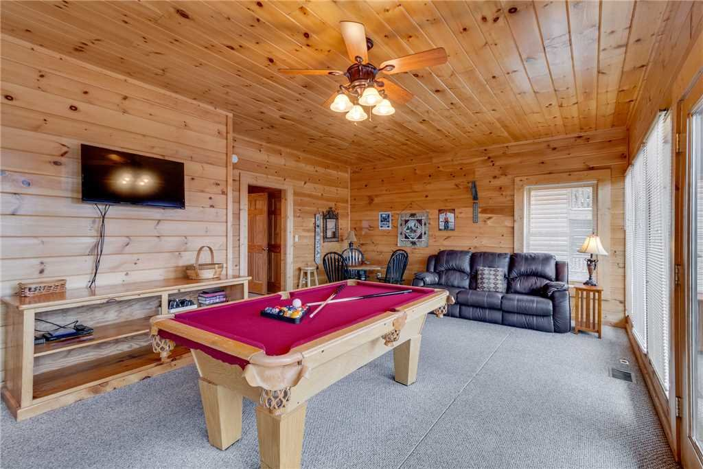 Photo of a Pigeon Forge Cabin named Mountain Majesty At Black Bear Ridge - This is the forty-first photo in the set.