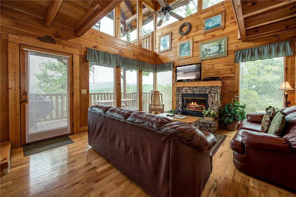 Photo of a Sevierville Cabin named Mountain Seduction - This is the first photo in the set.