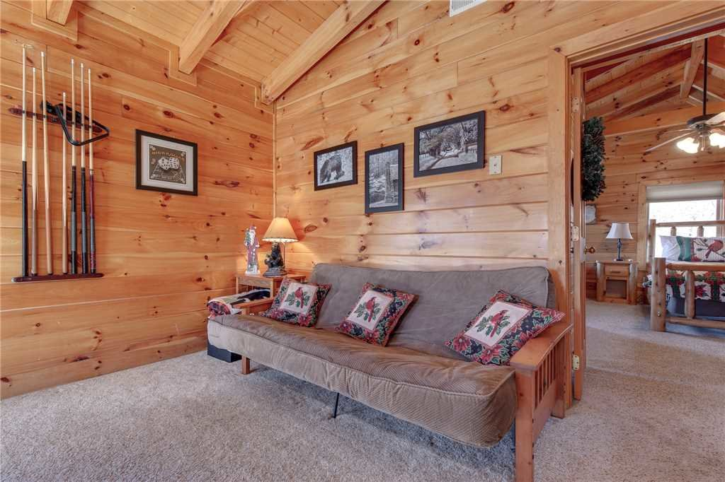 Photo of a Sevierville Cabin named Lookout Ridge - This is the seventeenth photo in the set.