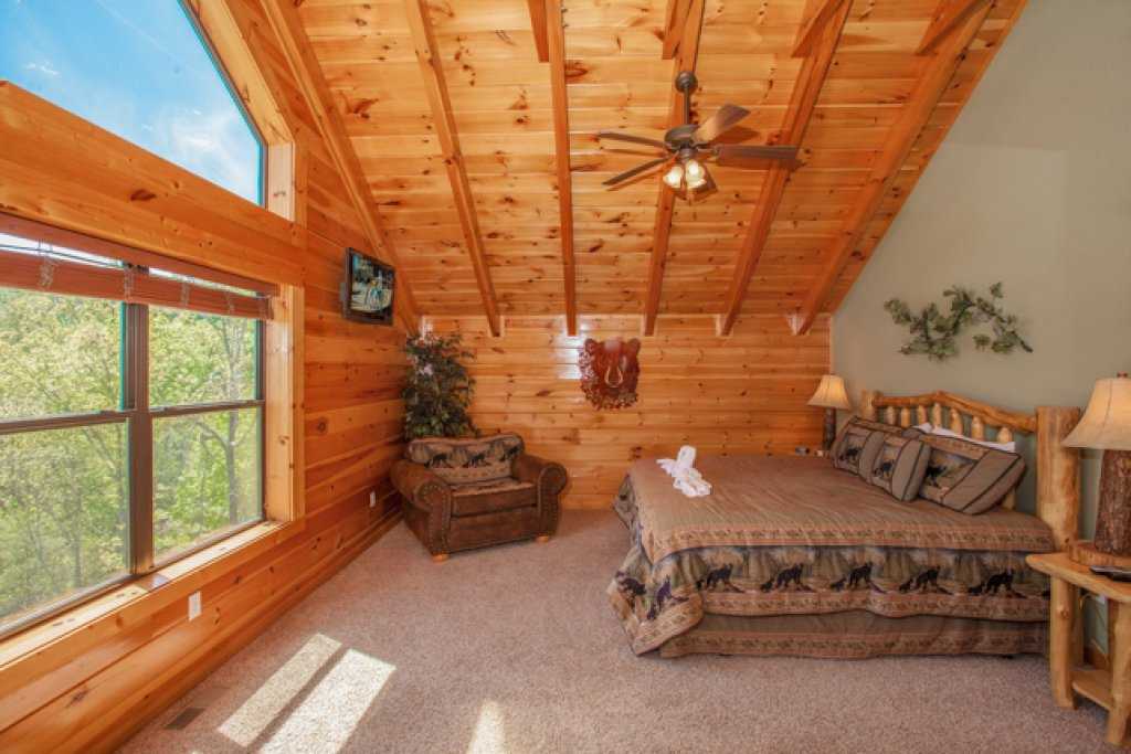 Photo of a Gatlinburg Cabin named Destiny's Heavenly View - This is the tenth photo in the set.