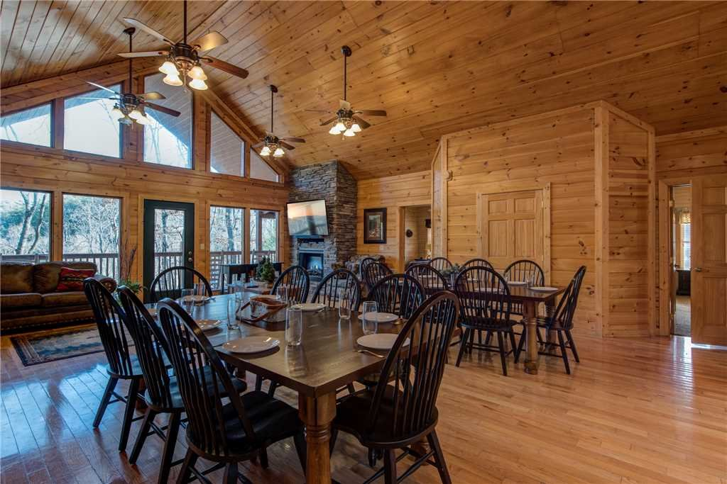 Hickory Hollow Lodge Cabin In Sevierville W 8 Br Sleeps24