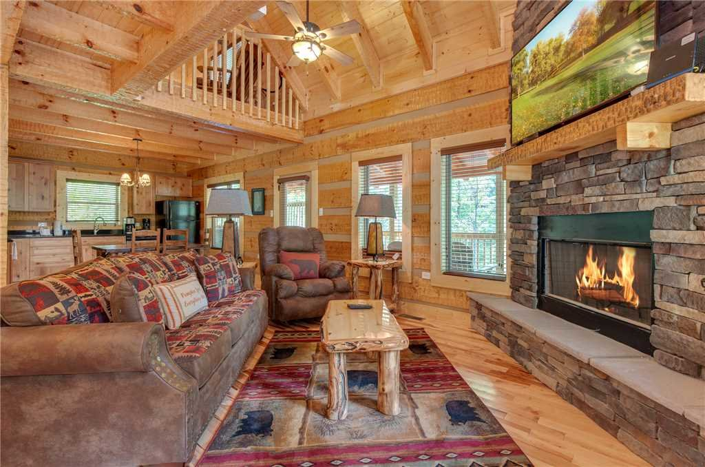 Photo of a Gatlinburg Cabin named Lovers' Hideaway - This is the first photo in the set.