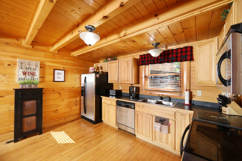 Photo of a Pigeon Forge Cabin named Celebration Lodge - This is the sixth photo in the set.