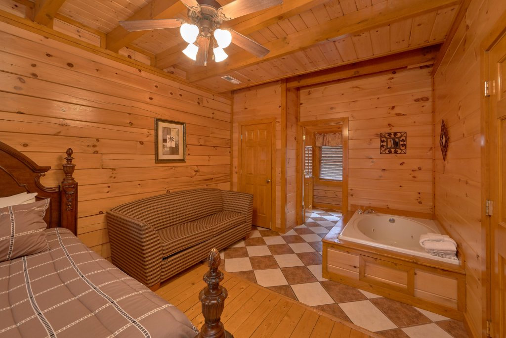 Photo of a Sevierville Cabin named Pool And Theater Lodge - This is the eighteenth photo in the set.
