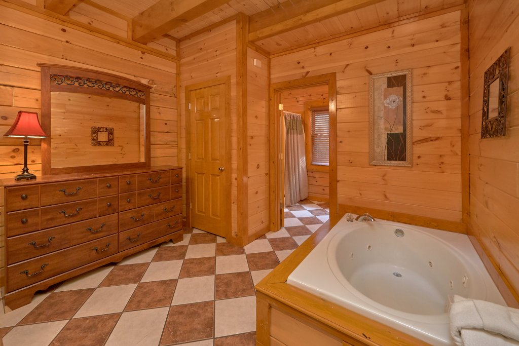 Photo of a Sevierville Cabin named Pool And Theater Lodge - This is the twenty-second photo in the set.