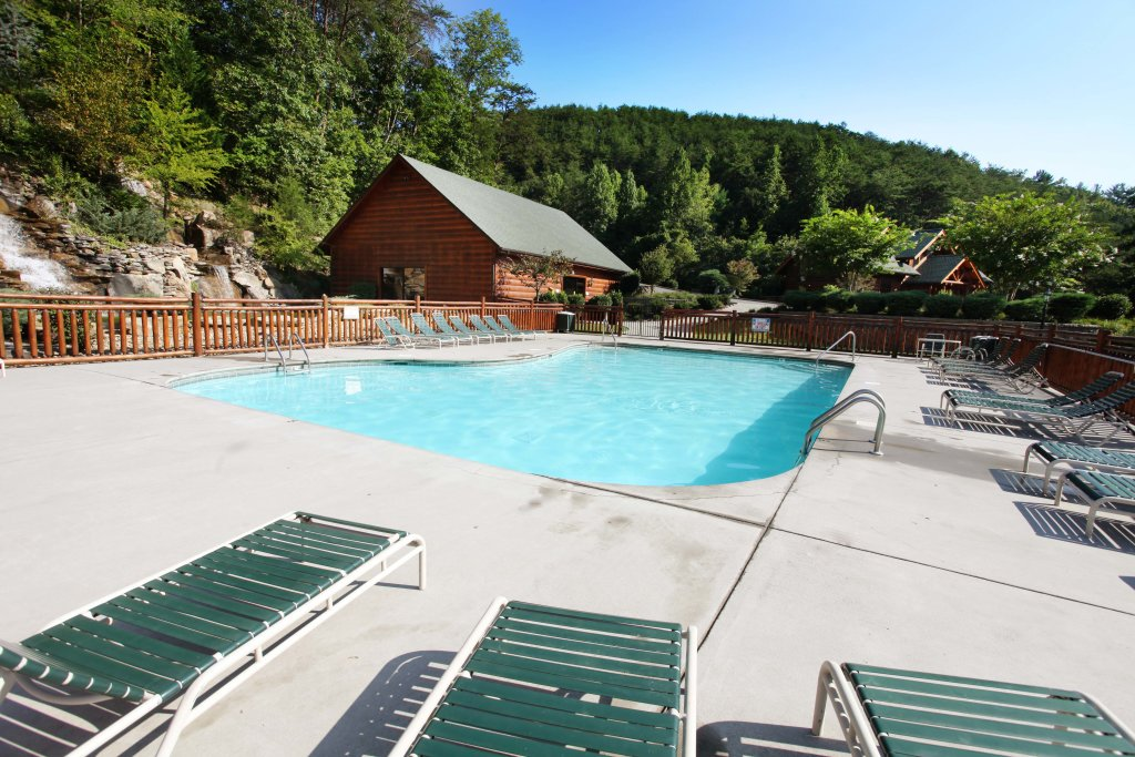 Photo of a Pigeon Forge Cabin named Celebration Lodge - This is the nineteenth photo in the set.