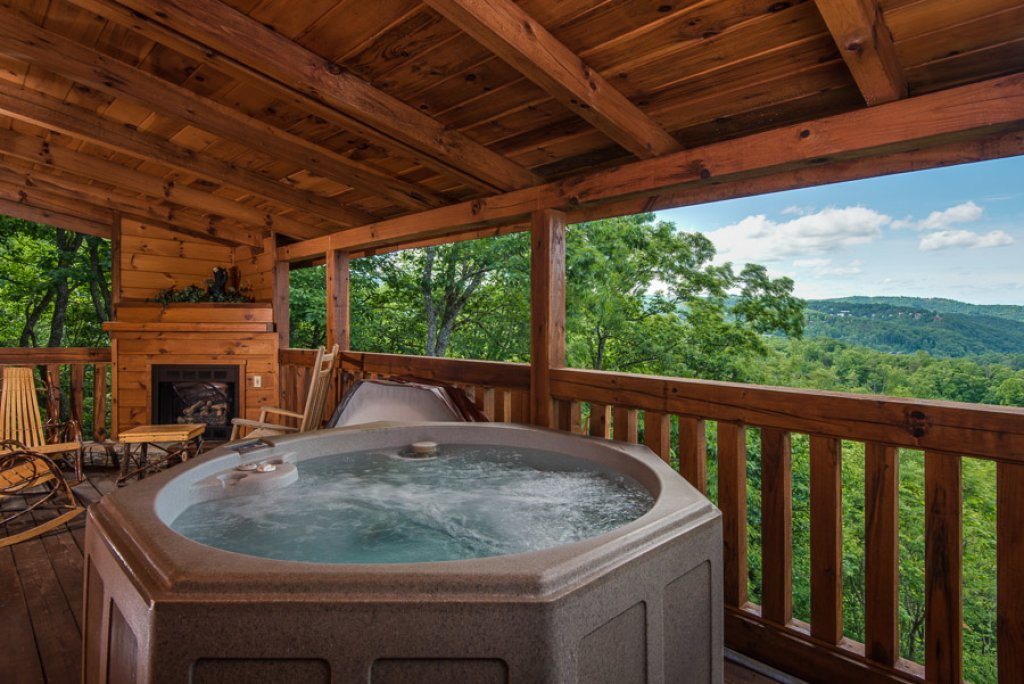 Photo of a Gatlinburg Cabin named Do Not Disturb - This is the first photo in the set.