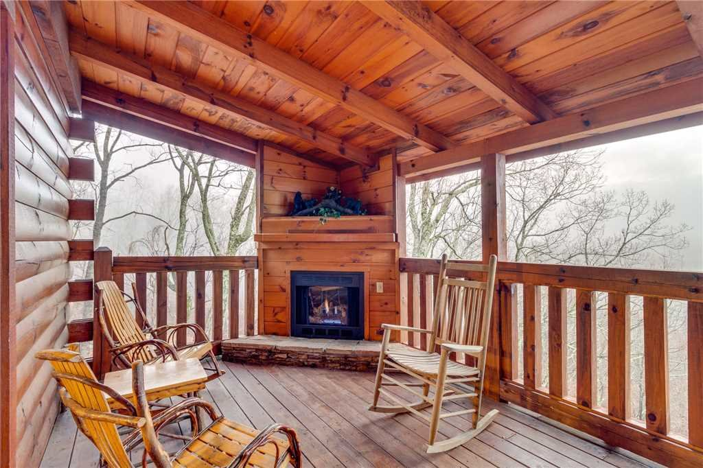 Photo of a Gatlinburg Cabin named Do Not Disturb - This is the twentieth photo in the set.