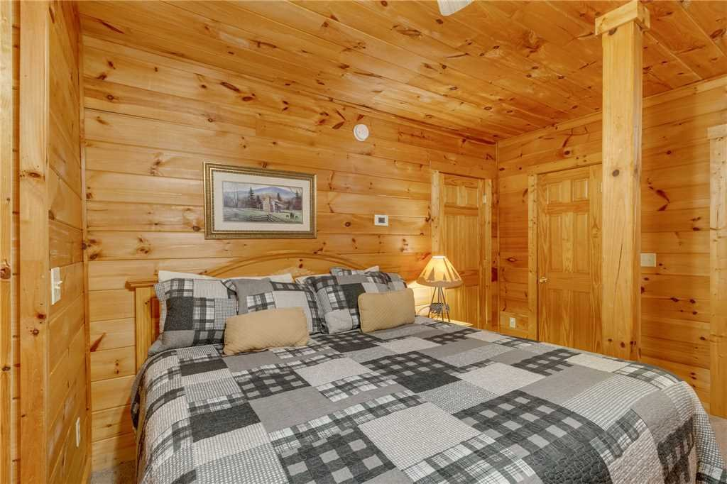 Photo of a Gatlinburg Cabin named Do Not Disturb - This is the fortieth photo in the set.