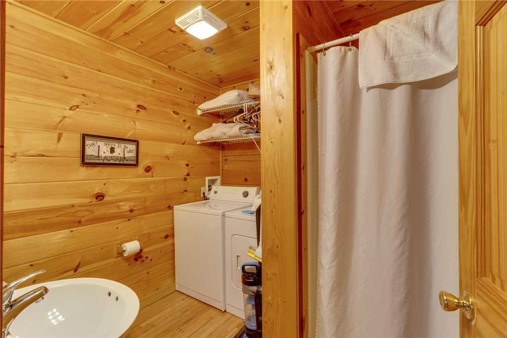 Photo of a Gatlinburg Cabin named Do Not Disturb - This is the eighteenth photo in the set.