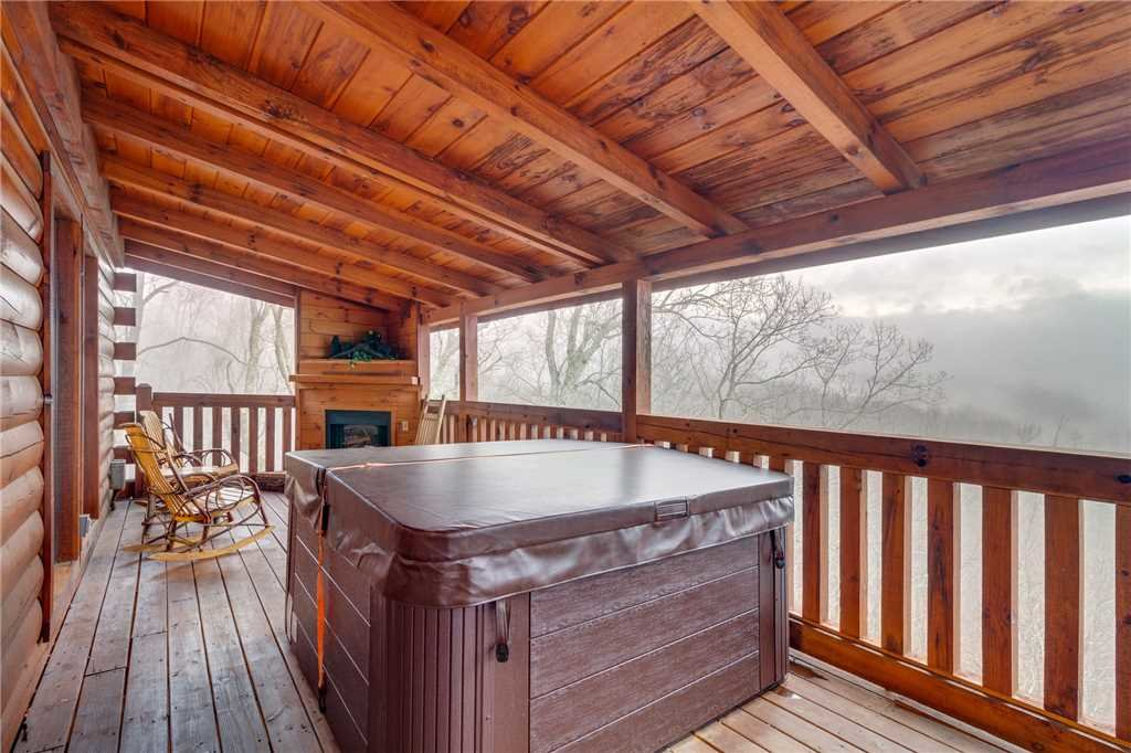 Photo of a Gatlinburg Cabin named Do Not Disturb - This is the nineteenth photo in the set.