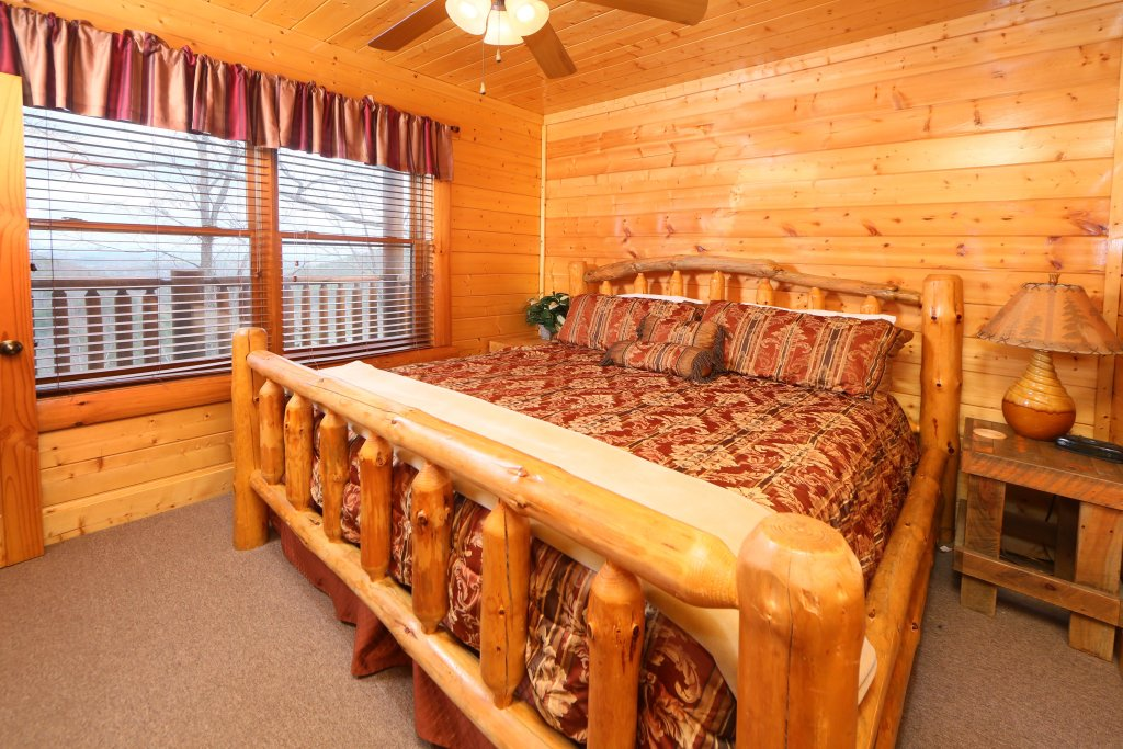 Photo of a Pigeon Forge Cabin named Rising Eagle Lodge - This is the ninth photo in the set.