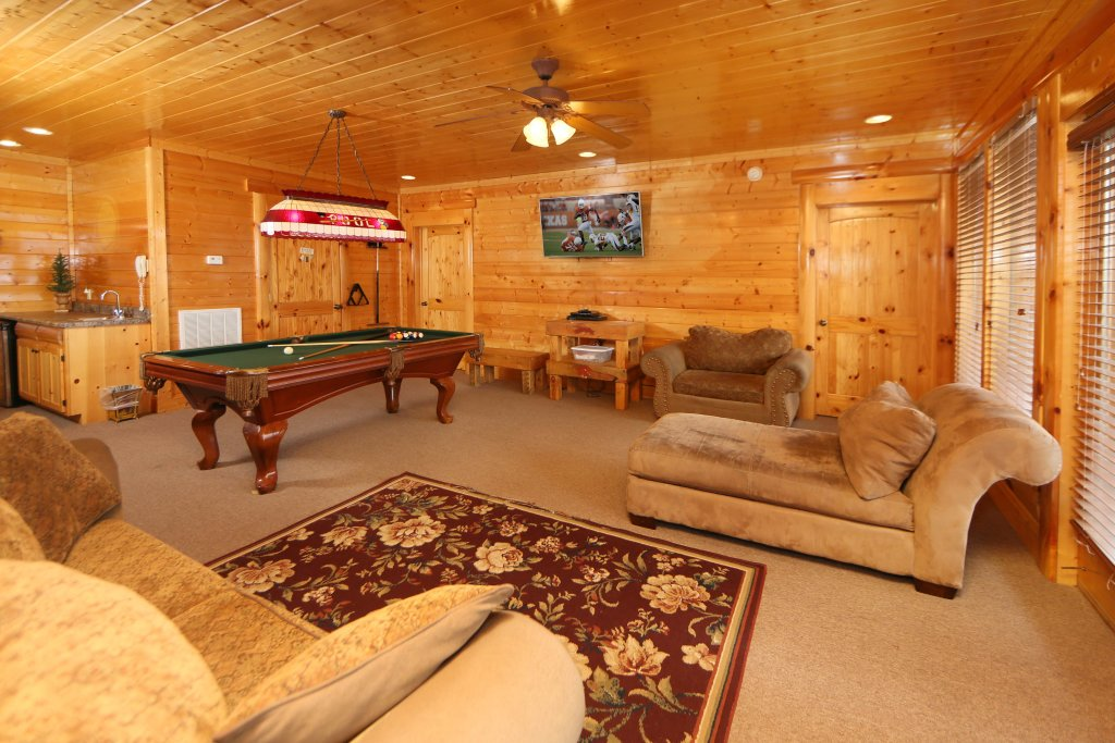 Photo of a Pigeon Forge Cabin named Rising Eagle Lodge - This is the twelfth photo in the set.