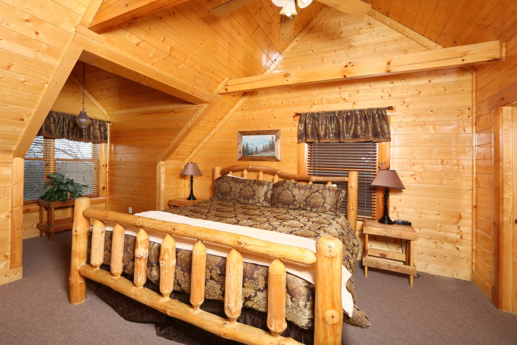 Photo of a Pigeon Forge Cabin named Rising Eagle Lodge - This is the twenty-fifth photo in the set.