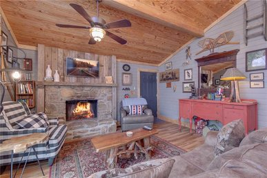 Swiss Bear Haus, 4 Bedrooms, Hot Tub, Pool Access,  Sleeps 12