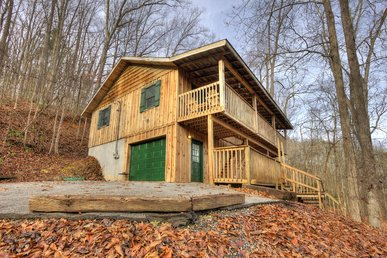 2 Bedroom Cabin With Home Theater, Hot Tub, Pool Table Near Gatlinburg