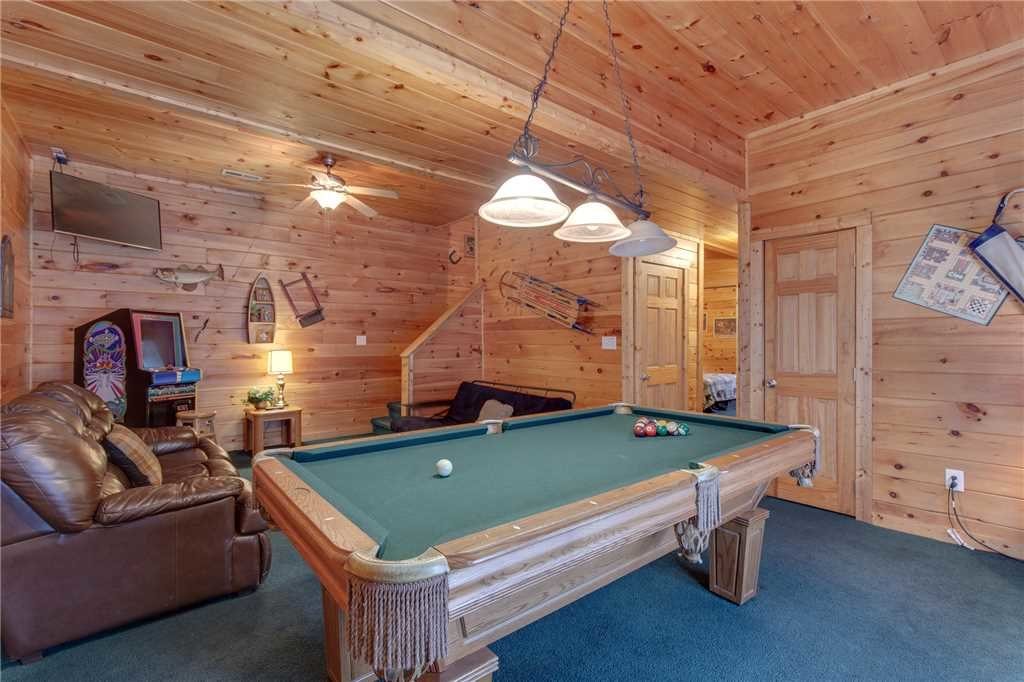 Photo of a Sevierville Cabin named Grizzly Getaway - This is the ninth photo in the set.
