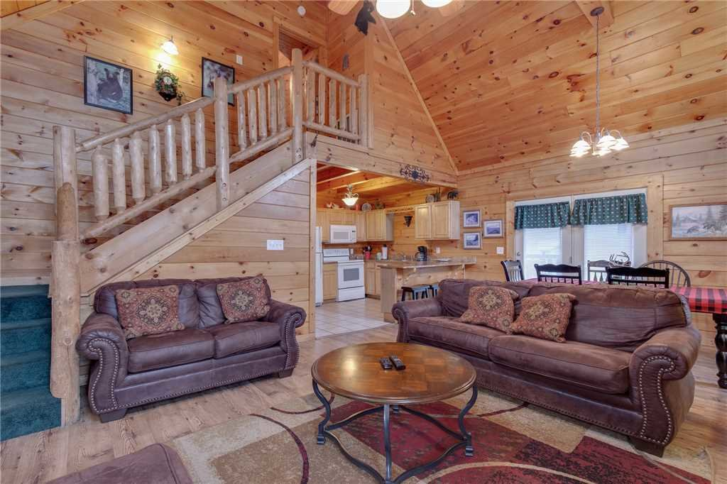 Photo of a Sevierville Cabin named Grizzly Getaway - This is the third photo in the set.