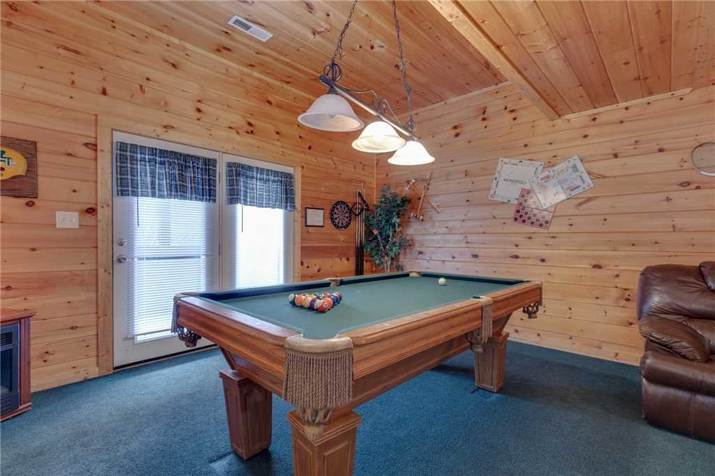 Photo of a Sevierville Cabin named Grizzly Getaway - This is the eighth photo in the set.