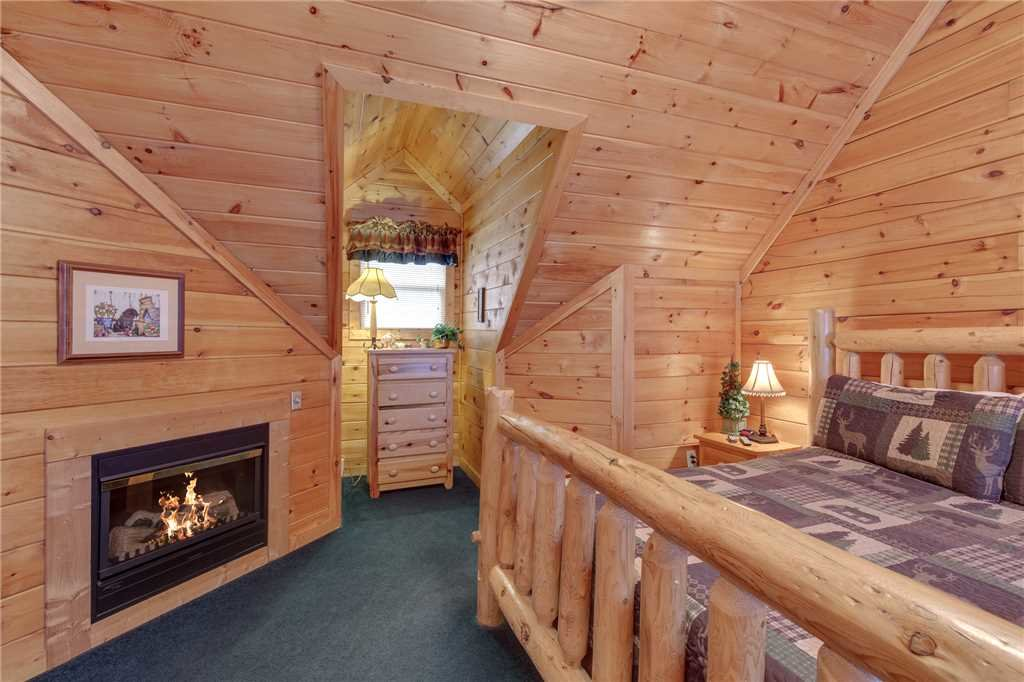 Photo of a Sevierville Cabin named Grizzly Getaway - This is the seventeenth photo in the set.