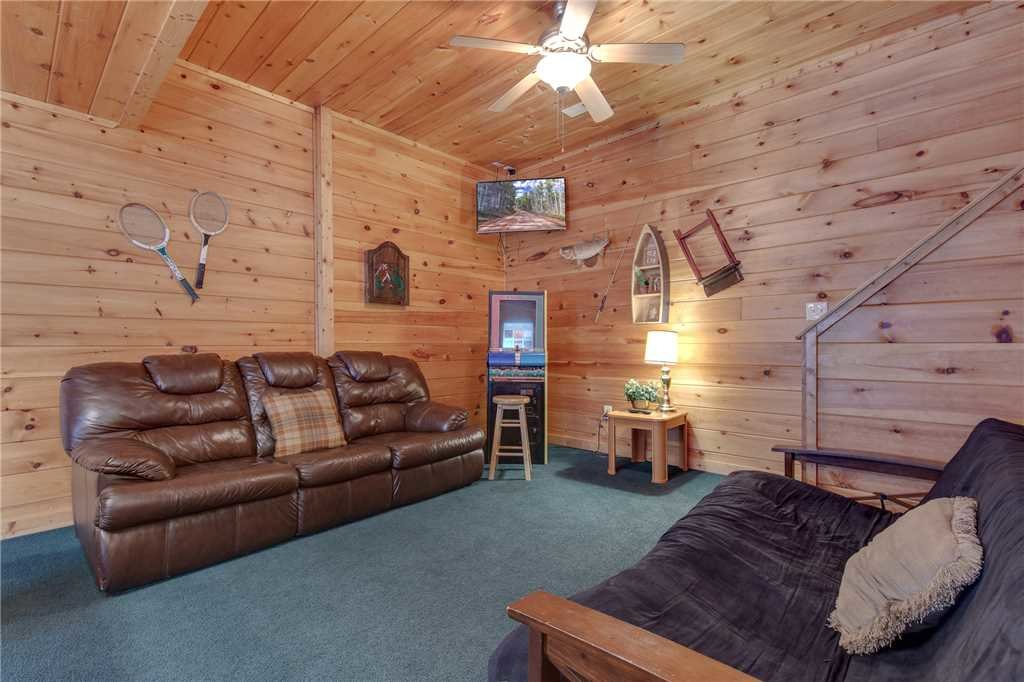 Photo of a Sevierville Cabin named Grizzly Getaway - This is the tenth photo in the set.