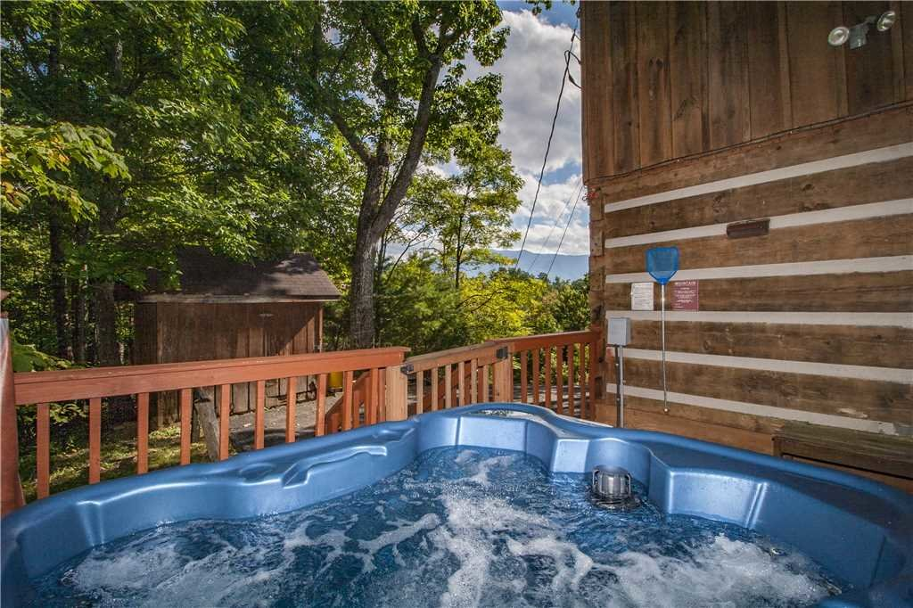 Photo of a Gatlinburg Cabin named Appalachian Splendor - This is the second photo in the set.