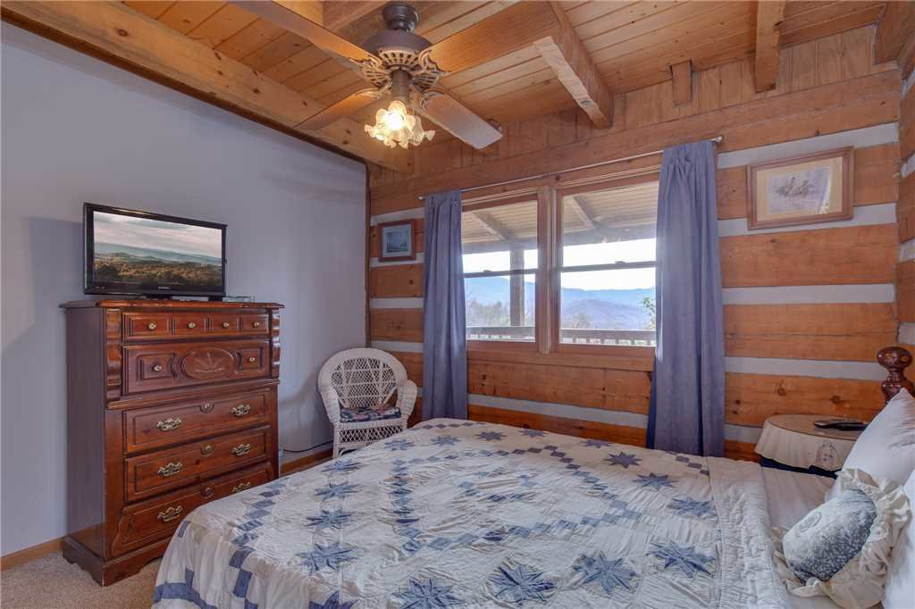Photo of a Gatlinburg Cabin named Appalachian Splendor - This is the eighteenth photo in the set.