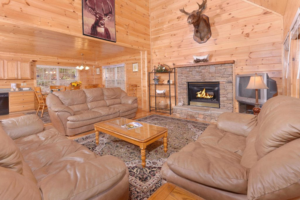 Photo of a Gatlinburg Cabin named Love & Laughs #11 - This is the twentieth photo in the set.