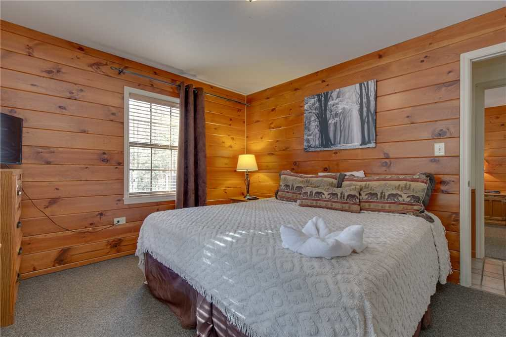 Photo of a Gatlinburg Cabin named Adventure Lodge - This is the eighteenth photo in the set.
