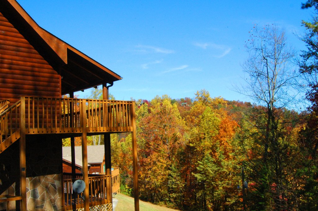 Photo of a Gatlinburg Cabin named Love & Laughs #11 - This is the twenty-eighth photo in the set.