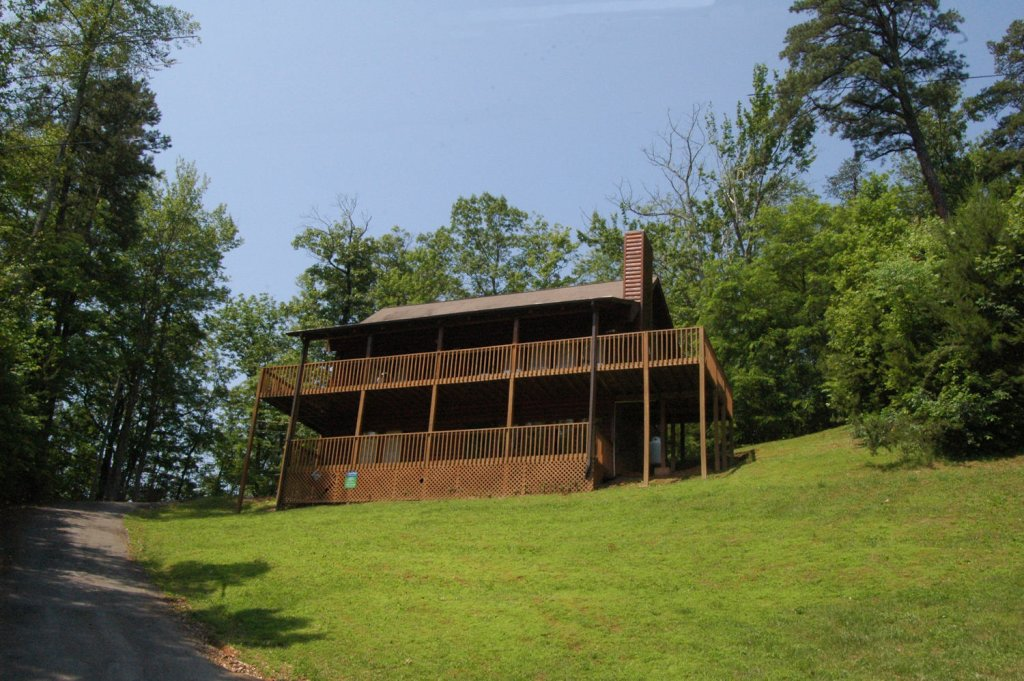 Photo of a Gatlinburg Cabin named Love & Laughs #11 - This is the fortieth photo in the set.