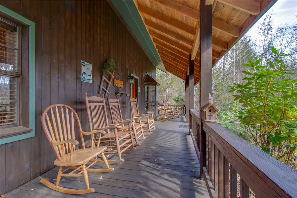 Photo of a Gatlinburg Cabin named Adventure Lodge - This is the thirty-first photo in the set.