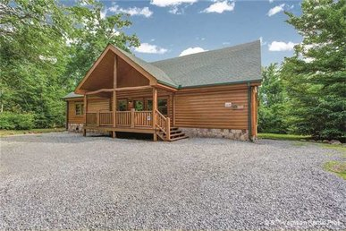 5 Bedroom Private Indoor Swimming Pool Cabin With Home Theater In Cosby