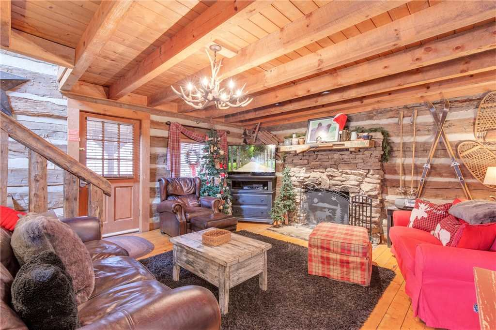 Photo of a Gatlinburg Cabin named Blessed Beyond Measure - This is the first photo in the set.
