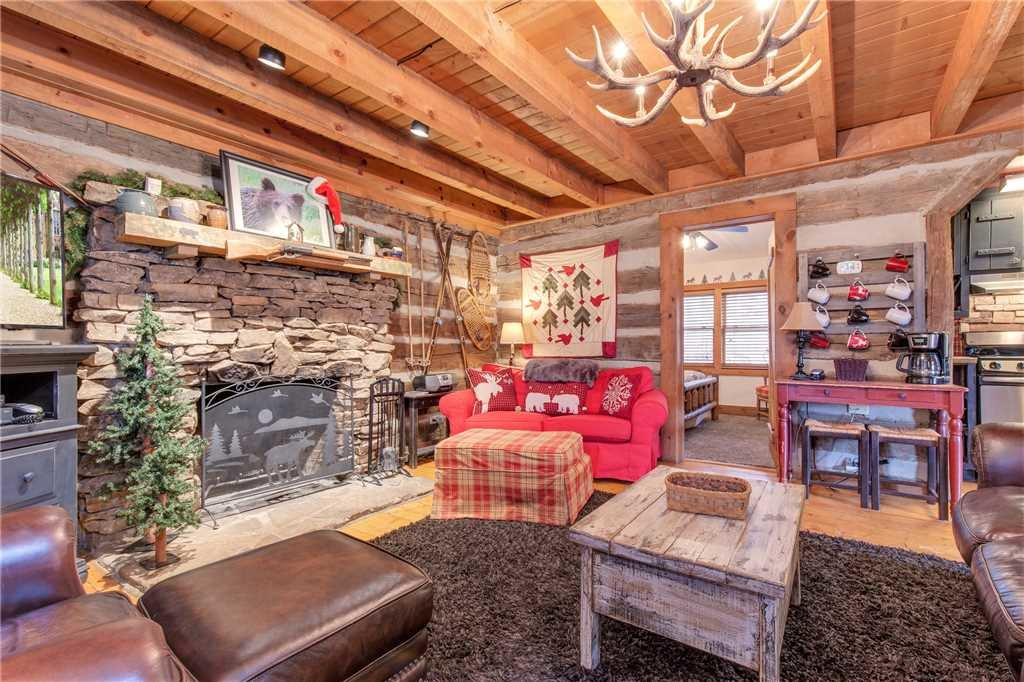Photo of a Gatlinburg Cabin named Blessed Beyond Measure - This is the third photo in the set.
