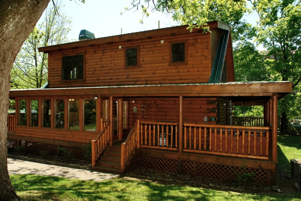 Photo of a Pigeon Forge Cabin named Trout House #350 - This is the seventeenth photo in the set.