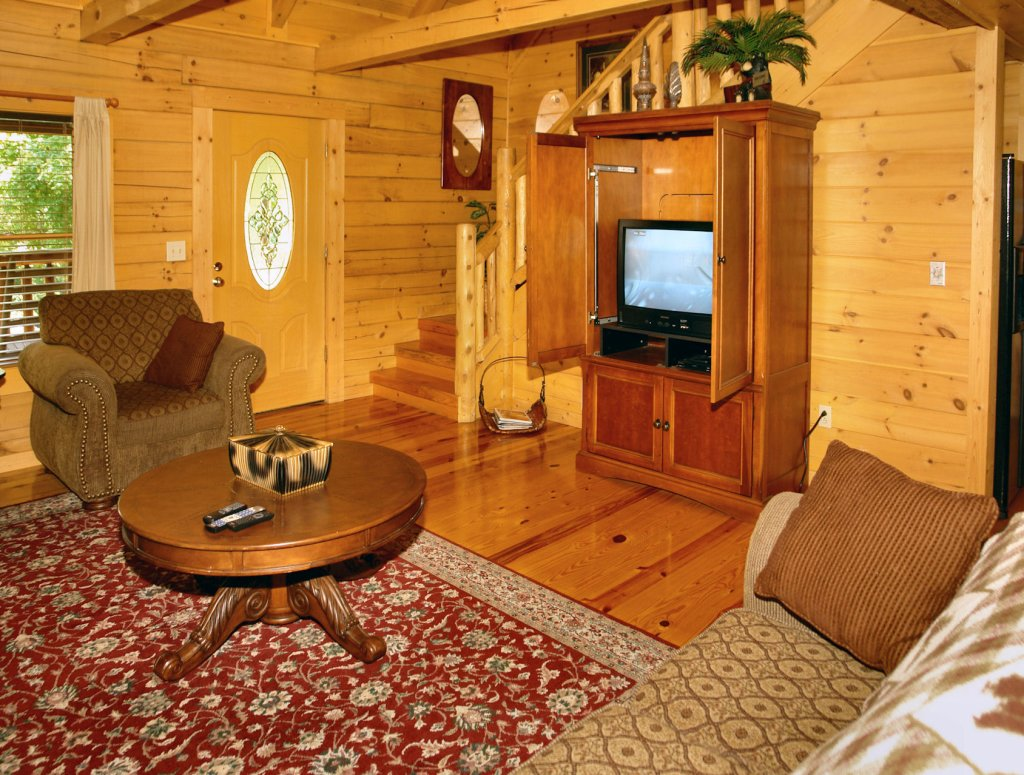 Photo of a Pigeon Forge Cabin named Trout House #350 - This is the thirty-eighth photo in the set.