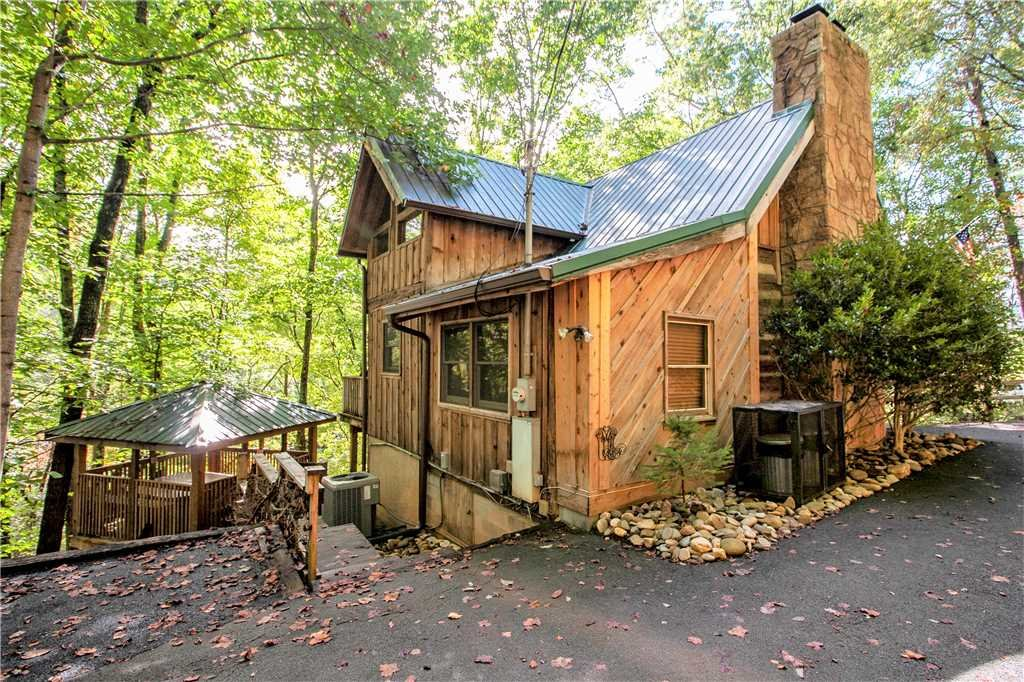 Photo of a Gatlinburg Cabin named Blessed Beyond Measure - This is the twenty-fifth photo in the set.